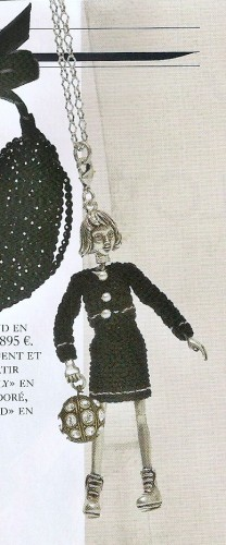 collier poupee servanne gaxotte vogue mars 090001.jpg