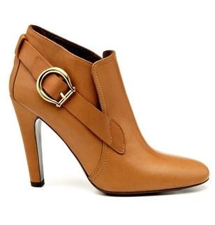 low boots Michel vivien été 2009 couleur caramel 490€ marie claire.jpg