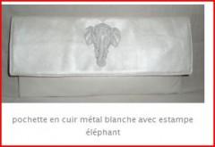pochette estampe elephant cuir vintage..JPG